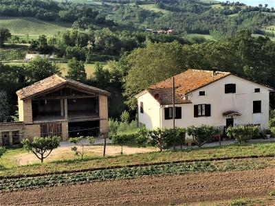 farmhouse to Buy in Smerillo