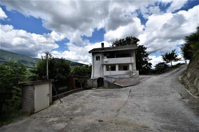 farmhouse to restore to Buy in Folignano