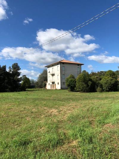 Casa colonica in Vendita a Ortezzano