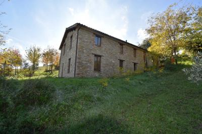 farmhouse to Buy in Servigliano