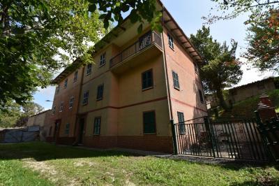 Дом на Продажа в Amandola