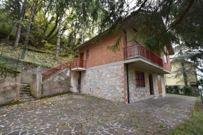 casa única in Vendita a Montefortino
