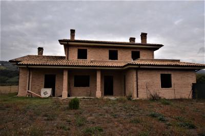 Villa in Vendita a Moresco