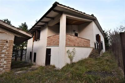 detached House to Buy in Sarnano