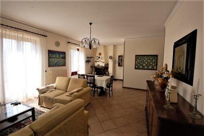 Villa in Vendita a Smerillo