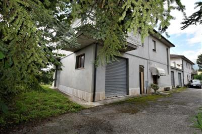 detached House to Buy in Amandola