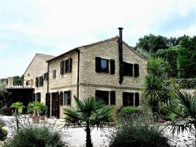 casa de fazenda in Vendita a Campofilone