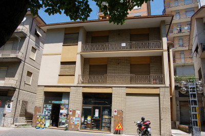Commercial Property to Buy in Amandola