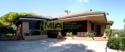 Villa in Vendita a Porto Sant'Elpidio