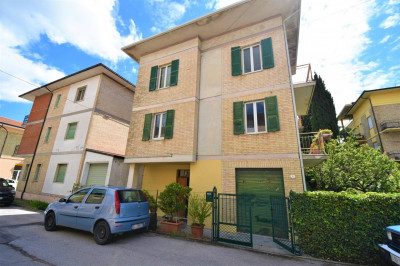 detached House to Buy in Falerone