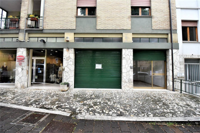 Commercial Property to Rent in Amandola