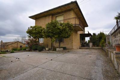casa única in Vendita a Ponzano di Fermo