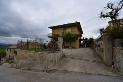 detached House to Buy in Ponzano di Fermo