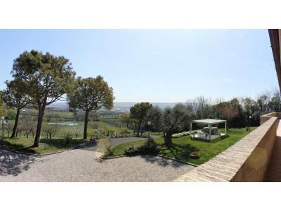 Villa in Vendita a Civitanova Marche
