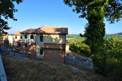 semi-detached villas to Buy in Sarnano