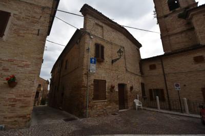 Casa cielo-terra in Vendita a Montedinove