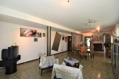Коттедж на Продажа в Santa Vittoria in Matenano
