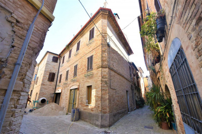 townhouse to Buy in Monte Giberto