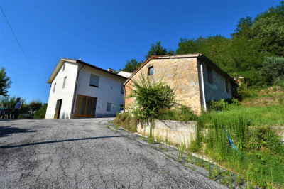 Casale in Vendita a Sant'Angelo in Pontano