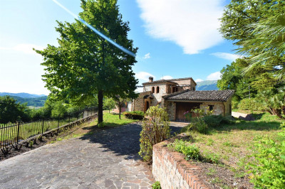 Villa to Buy in Sarnano