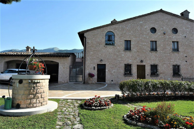 Villa to Buy in Cagli