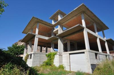 Casa cielo-terra in Vendita a Comunanza