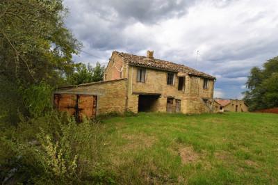 сельский дом на Продажа в Mogliano