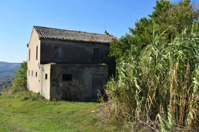 casa de fazenda in Vendita a Carassai