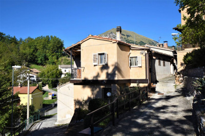 townhouse to Buy in Montefortino