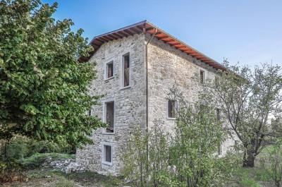 Casale in Vendita a Acquasanta Terme