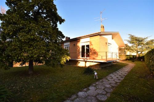 Villa to Buy in Montefiore dell'Aso