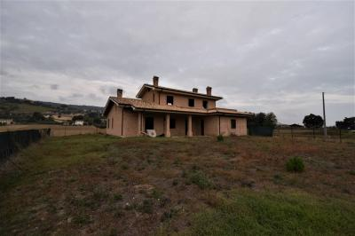 Villa to Buy in Moresco