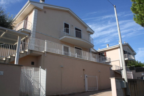 Apartment for Sale to Montecosaro