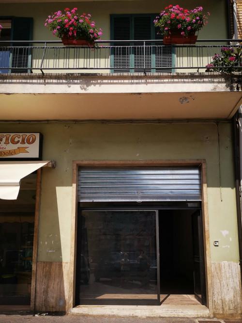 Locale commerciale in Affitto a Comunanza