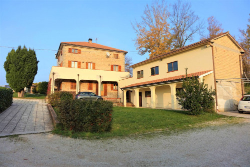 Villa to Buy in Smerillo