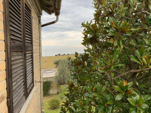 Single House for Sale to Altidona