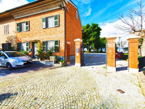 Casa singola in Vendita a Montecosaro