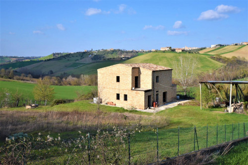 casa de fazenda in Vendita a Rapagnano