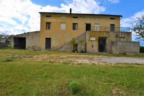 Casale in Vendita a Sant'Elpidio a Mare