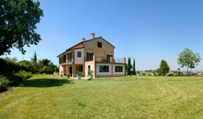 Homestead for Sale to Monte San Giusto