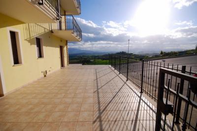 Квартира на Продажа в Acquaviva Picena