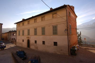casa in Vendita a Montefortino