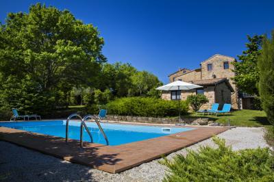 farmhouse to Buy in Gualdo