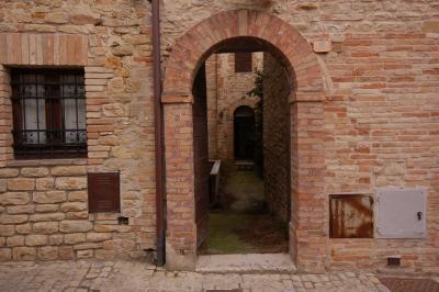 Casa cielo-terra in Vendita a Monte San Martino