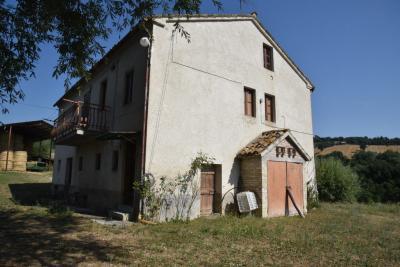 casa rústica in Vendita a Amandola