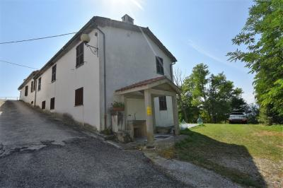 detached House to Buy in Comunanza