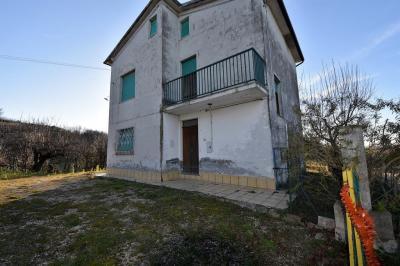 Casale in Vendita a Montegiorgio