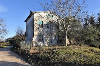 casa rústica in Vendita a Montegiorgio