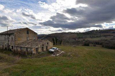 farmhouse to restore to Buy in Francavilla d'Ete