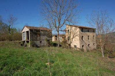 Casa colonica in Vendita a Smerillo